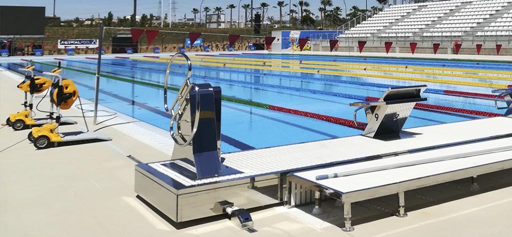 Blautec, Empresa suministro materiales piscina pública