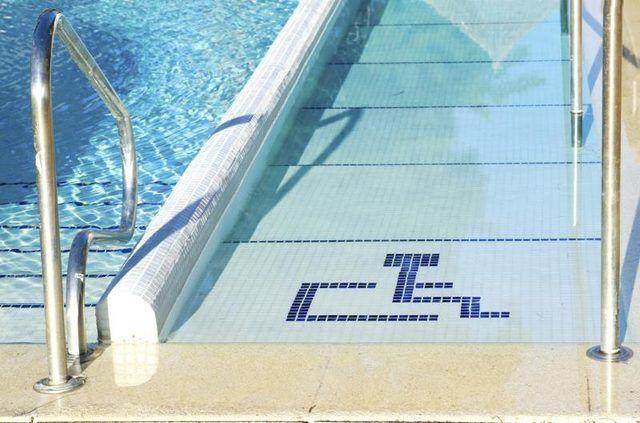accessibilidad en piscinas colectivas