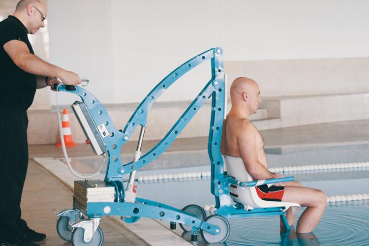 Elevadores de piscina eléctricos