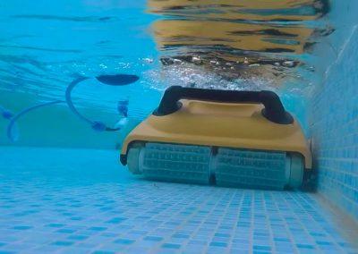 Dolphin-W20_en_el_agua